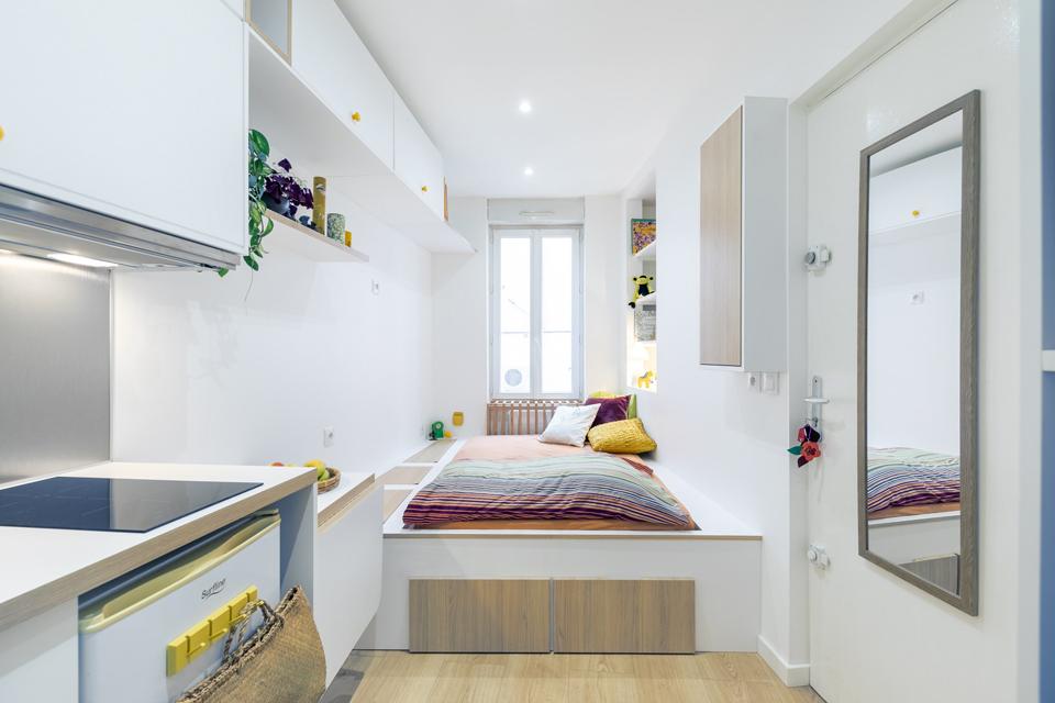 Современный интерьер с элементами лофта для холостяка от студии ... | 640x960