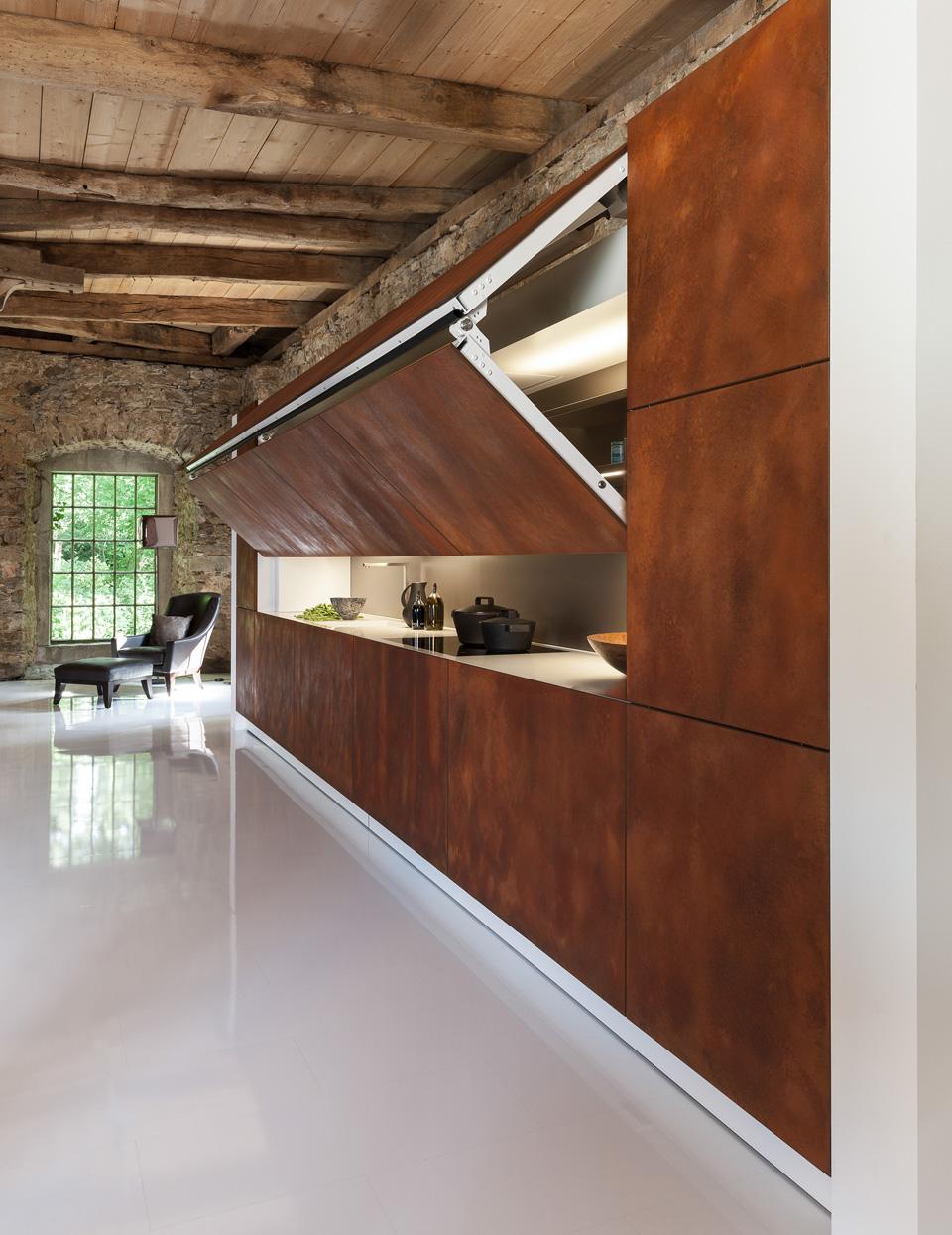 Скрытая на кухне 3 фотография